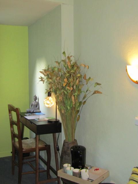 Hotel-le-Sauvage-chambre-verte-bureau-plateau-accueil