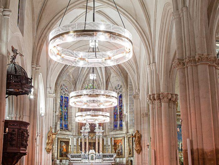 Lustres chauffants église Saint-Nicolas – ©Natacha MONDON et Eric PIERRE